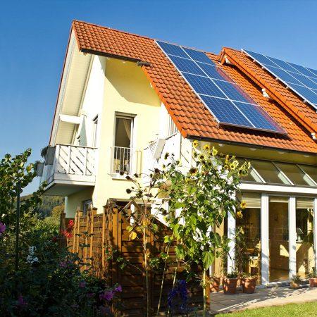 Fensterputzer Weißenburg rund um den privaten Haushalt zum Festpreis inklusive Fahrtkosten.
